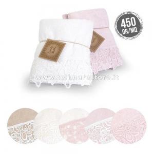 Set 2 Asciugamani Bagno 100% Cotone Modello Kira - rosa con pizzo bianco
